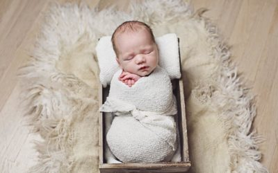 Why Do Babies Have to be So Young for Newborn Photos?